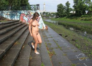 Beila skinny escort in Petershagen