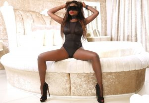 Shiraze skinny escort in Bad Fallingbostel, NI